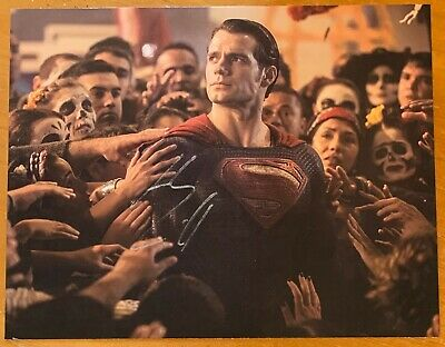 """Henry Cavill,100% Authentic Autographed 8"""" X 10"""" Photo, Superman, Wow !!!"""