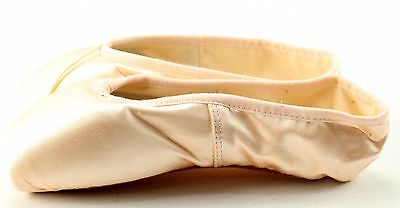 Girl's BLOCH Light Pink Satin Pointe Ballet Shoes Size 3