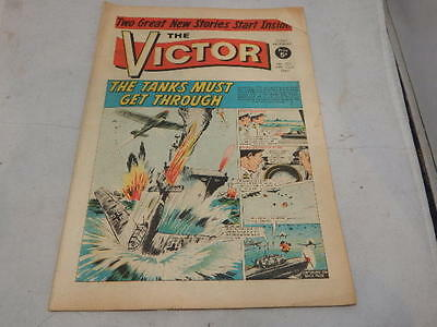 THE VICTOR COMIC No 322 ~ Apr 22nd 1967 ~ The Tanks Must Get Through