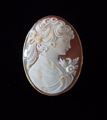 18 K Yellow Gold Carved Shell Large Cameo Brooch Pin Pendant Italy