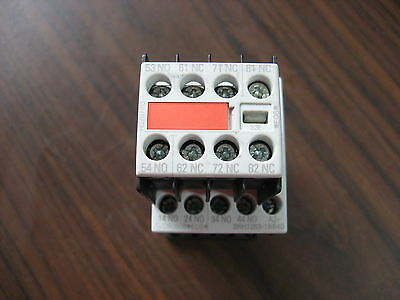 Siemens 3RH1253-1BB40 Contactor With 3RH1911-1GA13-3AA1 Aux Contact (10A, 240V)