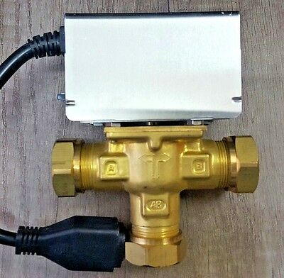3 Port Mid Position Motorised Zone Valve 22mm Replaces Honeywell V4073A1039 ZVMC