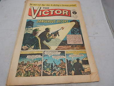 THE VICTOR COMIC No 273 ~ May 14th 1966 ~ Dangerous Decoys