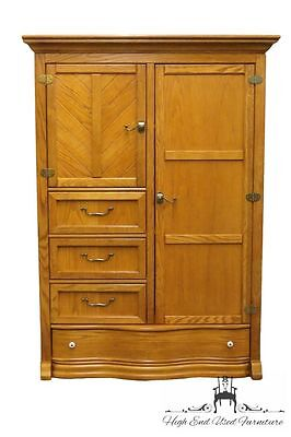 PULASKI FURNITURE Keepsakes Golden Oak 52″ Armoire / Wardrobe