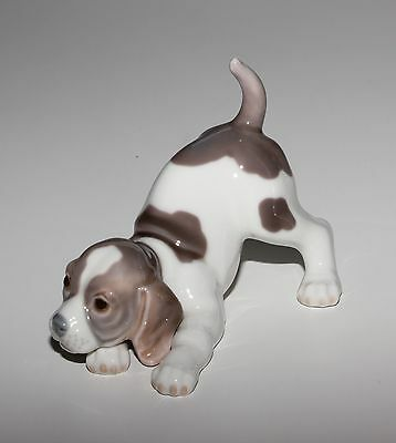 Lladro Playful Puppy, 1070