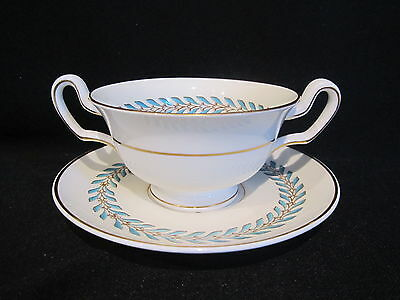 Wedgwood - WOODSTOCK W3686 - Cream Soup Bowl and Stand
