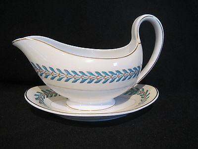 Wedgwood - WOODSTOCK W3686 - Gravy Boat and Stand