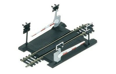 Hornby R645 OO Single Track Level Crossing 168mm