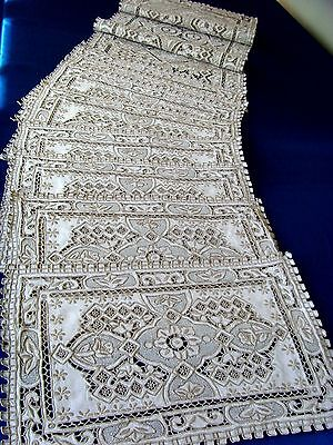 Stunning Hand Embroidered Linen Table Centre Cloth & 8 Mats Great Wall Pattern