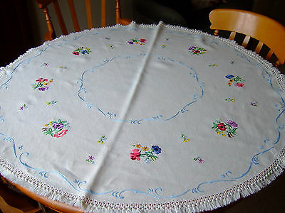 """Antique/Vintage Beautifully Hand Embroidered Cream Linen Round Tablecloth.46""""d."""