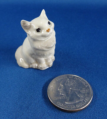 vintage HAGEN-RENAKER MINIATURE Fluffy CAT figure seated WHITE persian