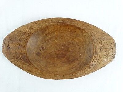 Vintage Hand carved Papuan Trobriand Island Carved Etched Wood Bowl PNG c1980s