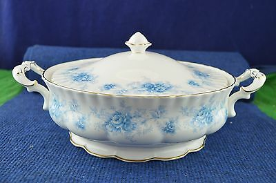 Lovely Royal Albert Windsor Rose Tureen Dish Bone China Made In England RD7327