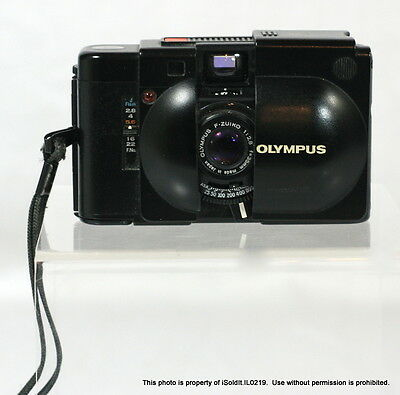 OLYMPUS XA 35MM FILM Rangefinder CAMERA F-Zuiko, 1:2.8 JAPAN