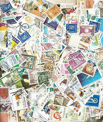 World Wide 3,000 All Different Used Stamps