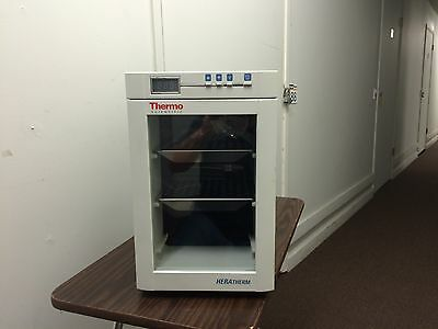 Thermo Scientific Heratherm Microbiological Incubator Model IMC18  IMC 18