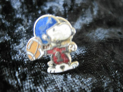 """Peanuts Snoopy with Football Pin 1"""" Worn"""