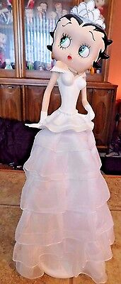 """Betty Boop Very Rare Queen Betty In White Evening Gown 13"""" Figurine"""