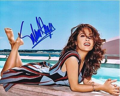 8c6bffd6f4 SALMA HAYEK HAND-SIGNED BUSTY YOUNG HOT SEXY 8x10 BEACH CLOSEUP ...