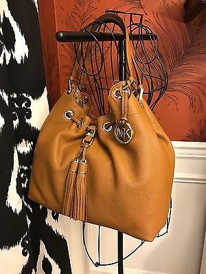 Nwt Michael Kors Pebbled Leather Camden Large Drawtring Shoulder Bag In Acorn