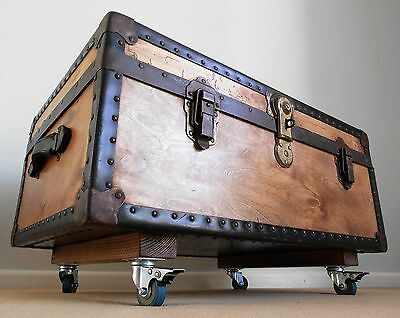 Vintage Trunk & KEY Steamer Travel Chest Wooden COFFEE TABLE Blanket Box