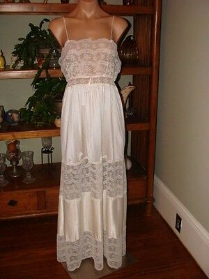 "Ladies/Womens Vintage Gilead Long Nylon Nightgown - Bust to 34"" - White"