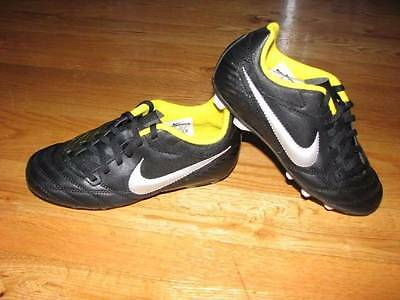 NEW Boys Girls Childrens NIKE Soccer Cleats Shoes Size 3 Black Yellow Silver