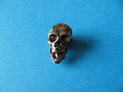 Motorcycle / Goth pin badge, Unused.  Metal. Skull