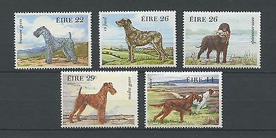 IRLANDE - 1983 YT 506 à 510 CHIENS - TIMBRES NEUFS** MNH