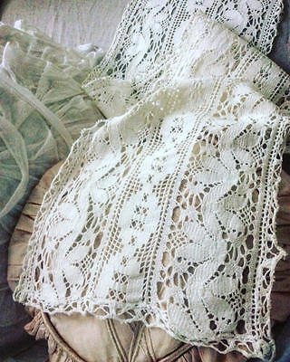 ~*Stunning Vintage French Cotton Crocheted Lace Table Runner*~