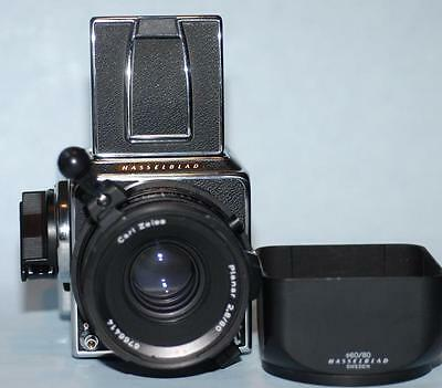 Hasselblad 500CM with 80mm f2.8 CF T* lens W/L finder & A12 Film Back - Mint-!