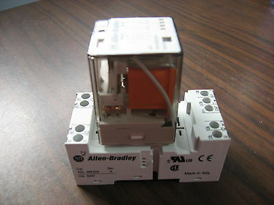 Allen Bradley 700-HA32A24 Cube Relay With 700-HN204 Base (Never Energized)