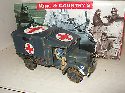 King and Country RAF015 Austin K2 Airfield Ambulance & WRAF Lady Driver in 1:30