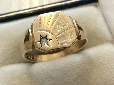 Good Gents Early Vintage Solid 9ct Gold. Stone Set Deco Style Signet Ring - S