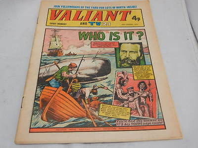 Valiant And TV21 Comic 26th January 1974 ~ Who Is It?
