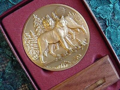 (MD-4) New Lg BRONZE MEDAL Wolf howling LIMITED EDITION #617 love wolves GIFT