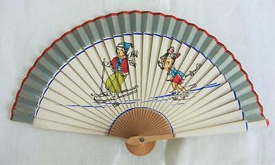 VINTAGE 1940's CHILDREN'S PRINTED WOOD HAND FAN - SKIING  SCENE