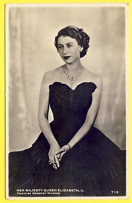 "cpa Her MAJESTY QUEEN ELIZABETH II Photo D. WILDING Cachet ""LONG LIVE The QUEEN"""