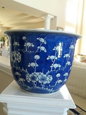 Chinese antique  ming dynasty blue white cherry  blossom  flower pot