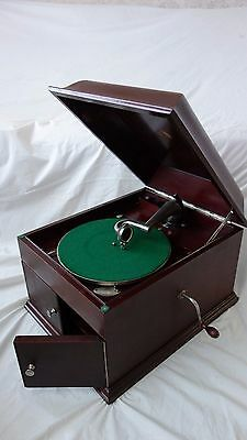 HMV Gramophone, Model 8 In Mahogany Wood in Excellent Condition *Worldwide Post