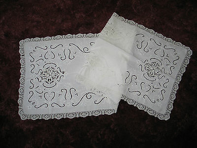 Beautiful Antique Hand Embroidered Point De Venise Linen~Lace Table Runner 52""