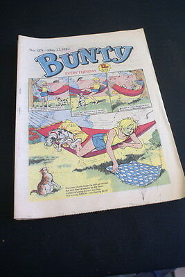 BUNTY Comic For Girls . Ideal Birthday Gift. No. 1271. May 22 1982