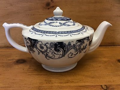 Vintage Blue & White Queen's China - The Royal Palaces - Chin Tea Pot