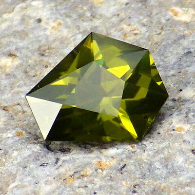 PERIDOT/OLIVINE-ARIZONA 1.83Ct VS1+SLIGHT SILK-LIME+OLIVE GREEN-PERFECT FACETING