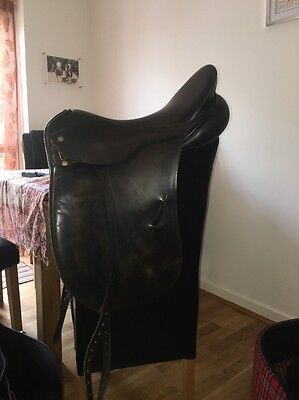 Black Leather 18 Inch Albion Style Ultra Dressage Saddle Narrow to Medium Width