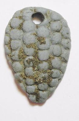 Zurqieh -Af2188- Ancient Egypt , Faience Amulet , Bunch Of Grapes. New Kingdom.