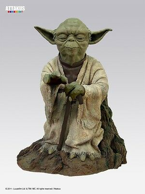 Attakus Sideshow Star Wars: Yoda using the Force Statue Monument statue new