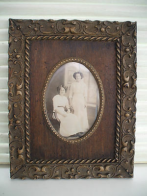 Pretty Vintage Wooden Picture/photo Frame With Ornate Decorative Borders