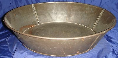 "SE759 Antique Vtg Handmade Large Tin Metal Baking Pan 14.75"" Dia."