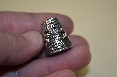 Vintage STERLING SILVER Playful Cherubs Quilting Sewing Thimble ** FANTASTIC **